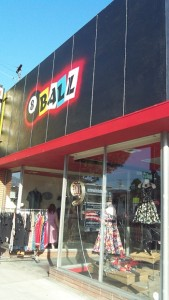 8 Ball – Rockabilly is back in Burbank